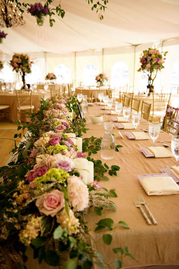 Head table design with a lot of flowers