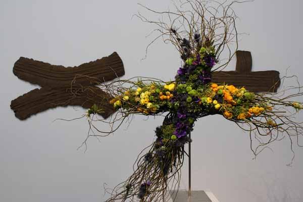 Floral Designers: Plumweed Flowers. Art Piece: Robert Rauschenberg, Shadow