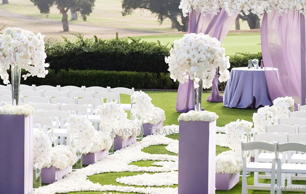 lavender and white ceremony