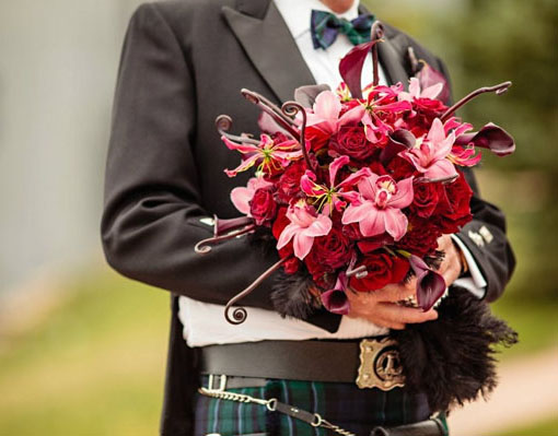 red and fuchsia bridal bouquet