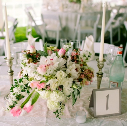 white and pink flower centerpiece