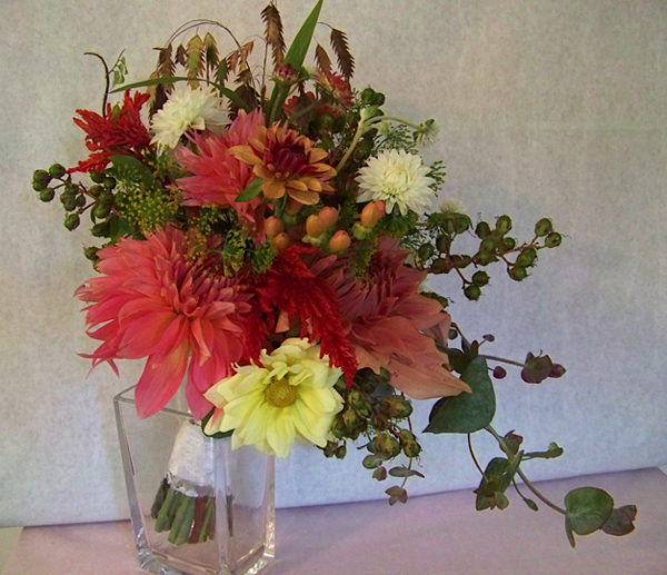 dahlia bridal bouquet with crape myrtle berries, dill and sea oats