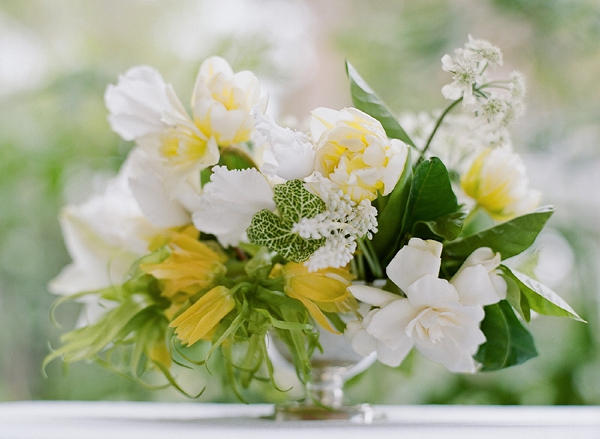 white and yellow flower centerpiece