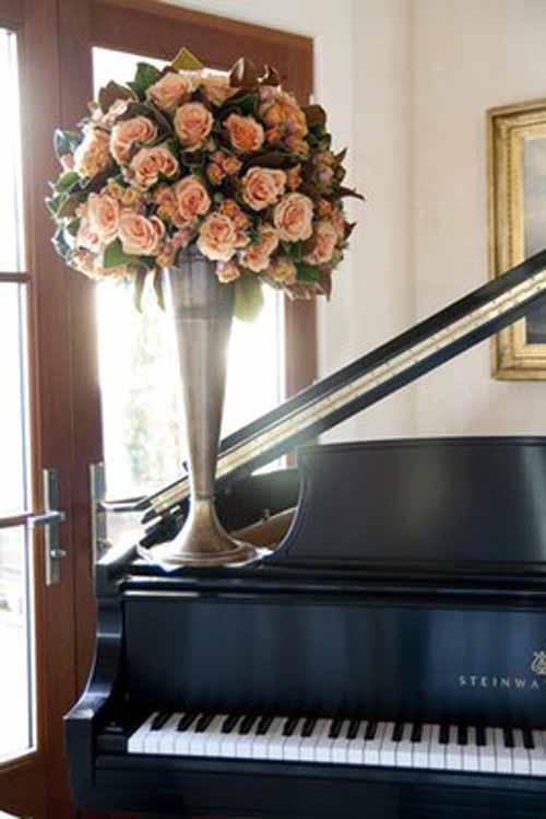 blush rose centerpiece elevated