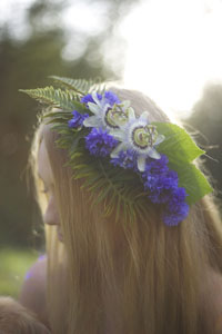 Bella Fiori - Hair flowers with passionflowers and bachelor buttons
