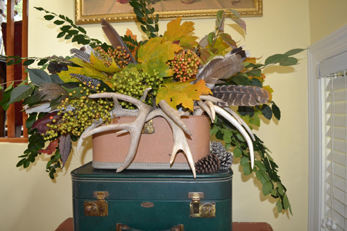 fall leaf and antler arrangement