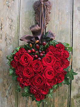 Figa & Company, heart wreath of roses