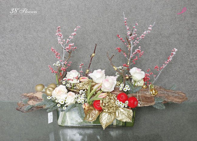 38 Degree Flowers Co., Holiday decor design