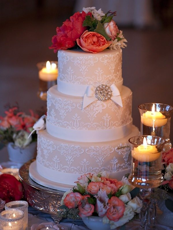 Bella Fiori, Intricate Icings, Autumn Burke Photography, Cake decorated with peonies & roses