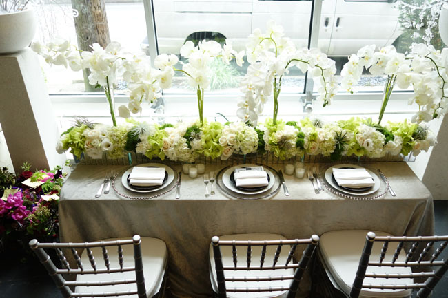 table design by Nancy Liu Chin of white and green flowers