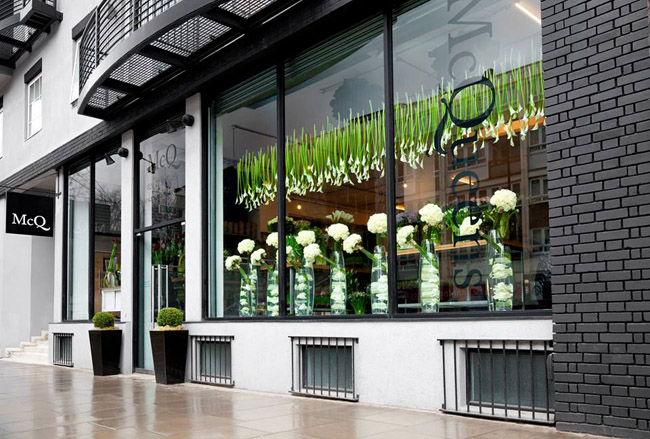 Flower shop interiors flirty fleurs the florist blog for Designs east florist interior