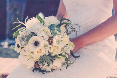 Urban Petals - white bridal bouquet