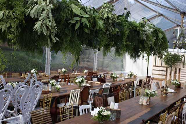 Jardine Botanic - foliage chandelier installation