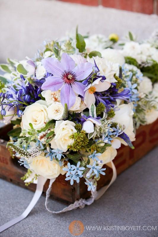 Design by Studio 3 Floral, Whtie roses, tweedia, clematis