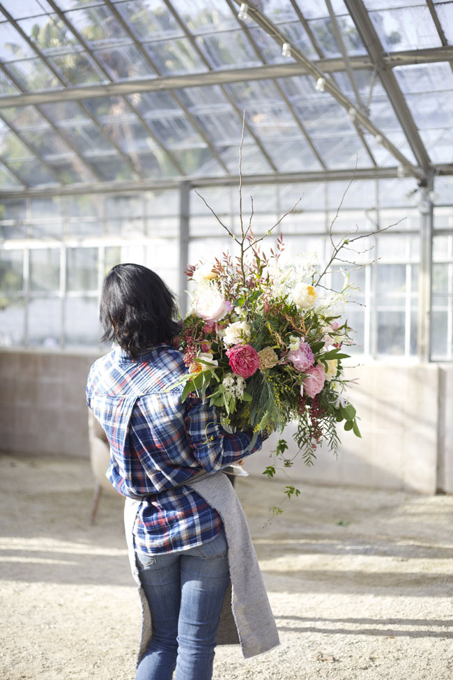 Florabundance Design Days 2016 - Yoshi from Floral Fete holds a large arrangement