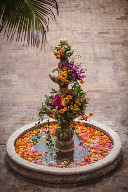 Florenta Floral Design - Fountain filled with flowers