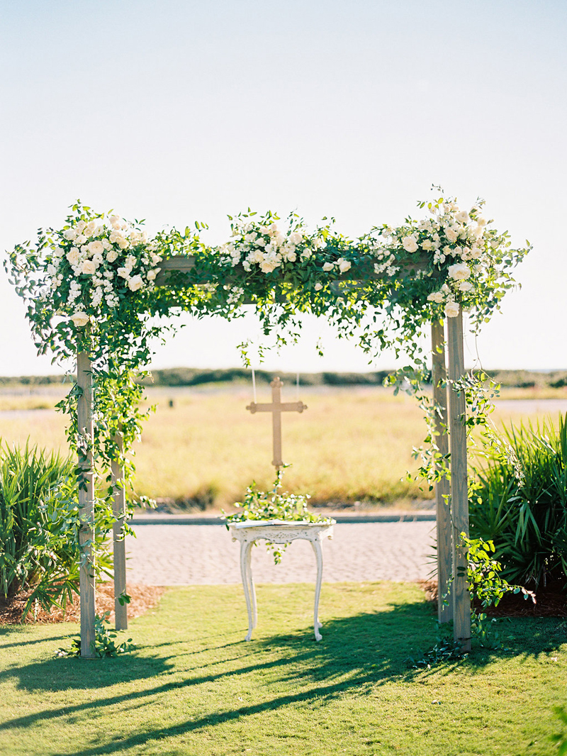 Myrtie Blues Floral Design, Florida. Wedding Ceremony Arch. Lauren Kinsey Photography.