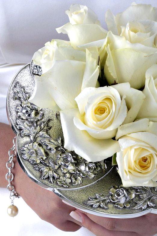 Bouquet Holders | Flirty Fleurs The Florist Blog - Inspiration for ...