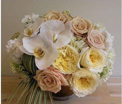 white flower arrangement
