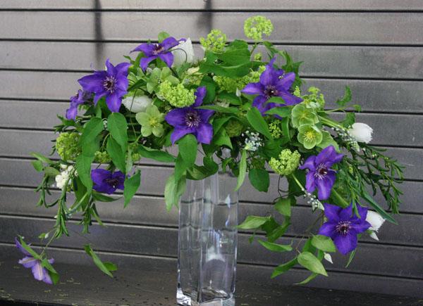 cascade type bridal bouquet