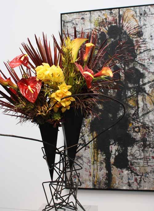 Floral Designer: Orinda Garden Club. Art Piece: Richard Pousette-Dart