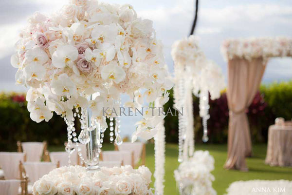white flower centerpieces