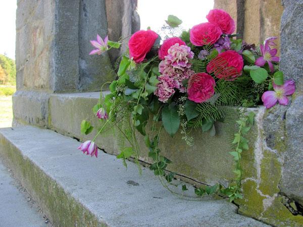 casket flower spray