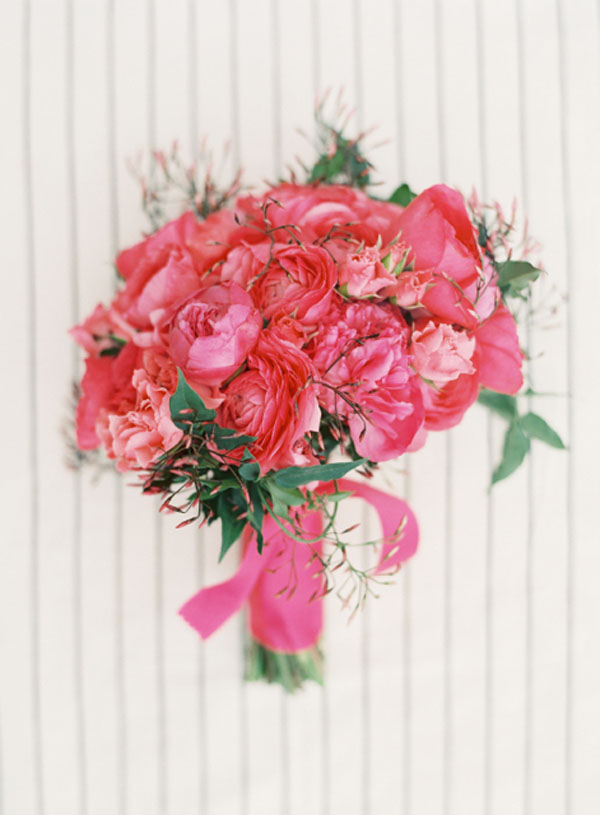 hot pink peonies and ranunculus bouquet