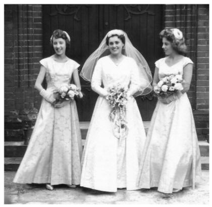 Throwback Thursday 1950 S Brides Flirty Fleurs The
