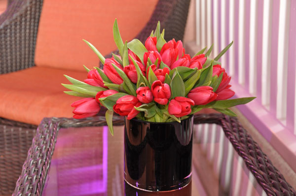 red tulip centerpiece