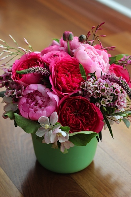 pink and green flower centerpiece