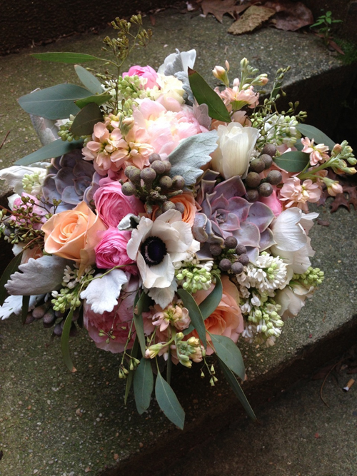 bouquet with dusty miller and peach flowers