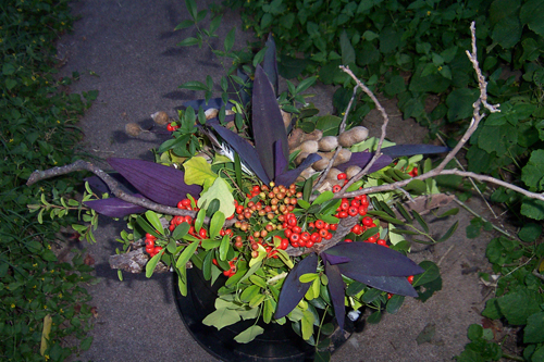 leaf and berry centerpiece
