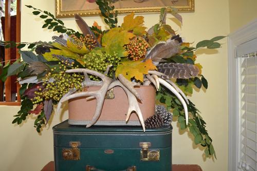 fall leaf and antler arrangement