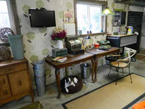 KRISanthemums Office Space