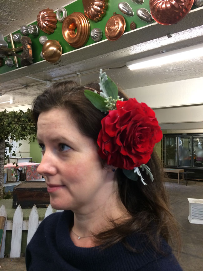 Red Rose Glamellia as a hair piece