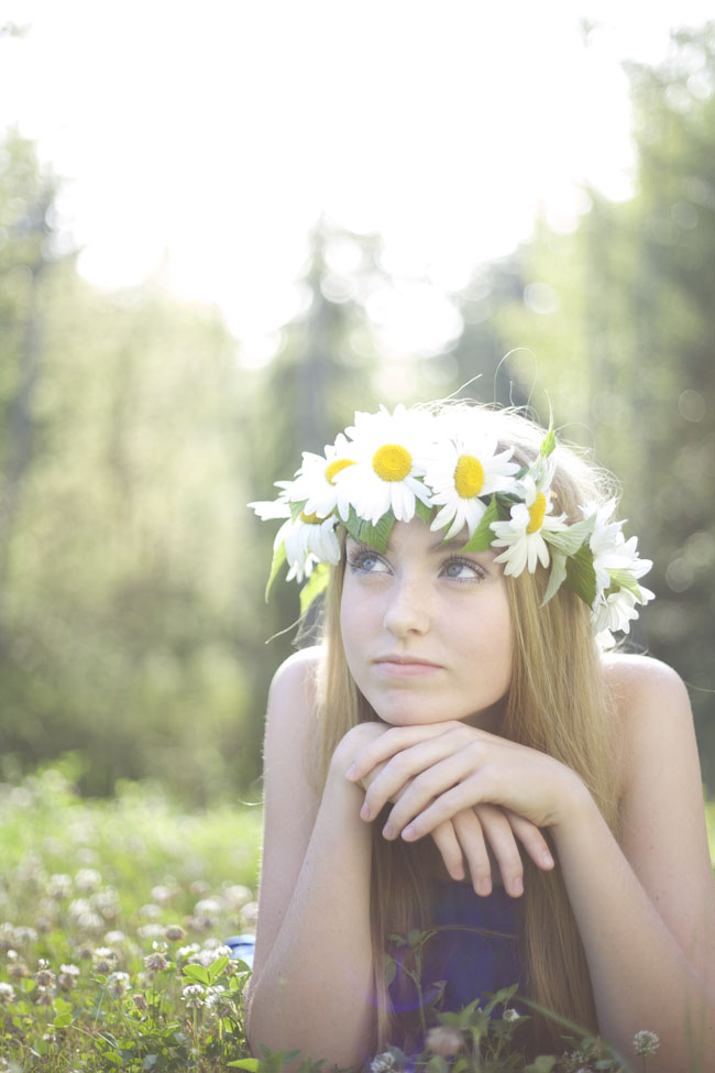 White shasta daisy flower crown