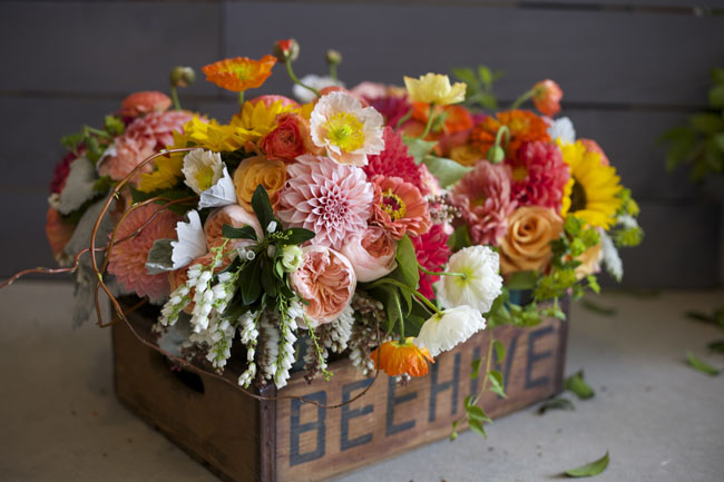 8/29 - My friend Robyn of Bare Root Flora came to Washington State to do a wedding, these are the bouquets - aren't they gorgeous? We had so much fun working together!