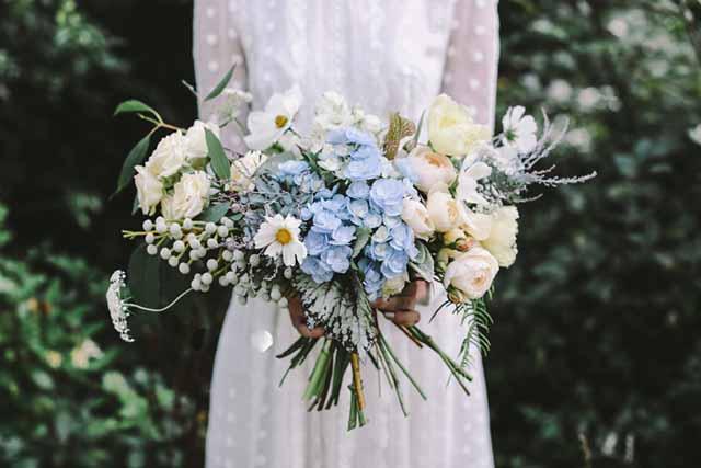 Jardine Botanic   Blue And White Bouquet