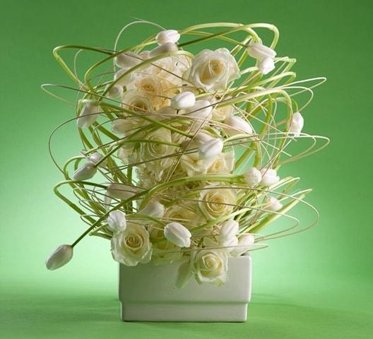 Hitomi Gilliam AIFD - white floral arrangement