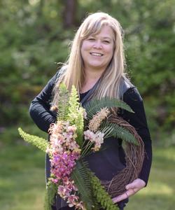 Alicia Schwede of Flirty Fleurs will be teaching at Florabundance Design Days 2019 in santa barbara, California