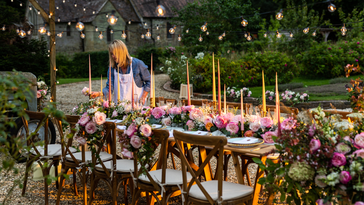 The final flurry of activity – the banqueting table is bedecked with beautiful tapered candles, the champagne is on ice and the blush pink roses of Constance (Austruss) and Keira (Ausboxer) come alive in the beautiful late afternoon light.