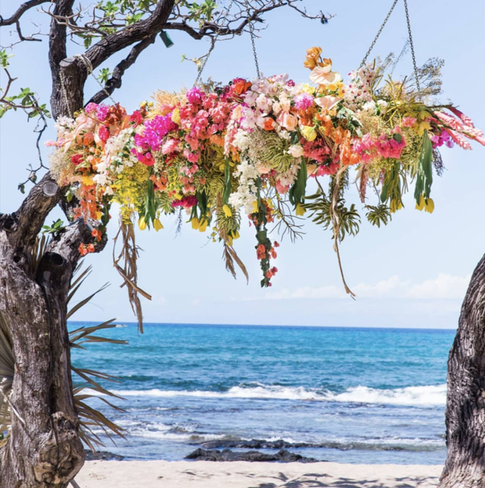 Grace Flowers Hawaii - floral chandelier with tropical flowers